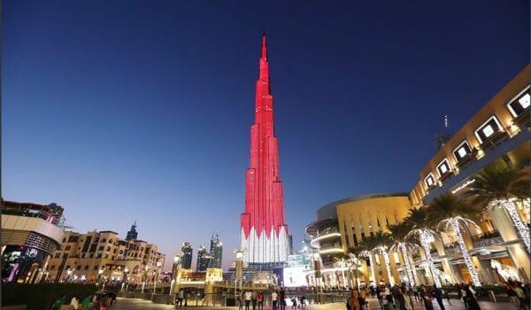 برج خليفة يتزين بعلم البحرين