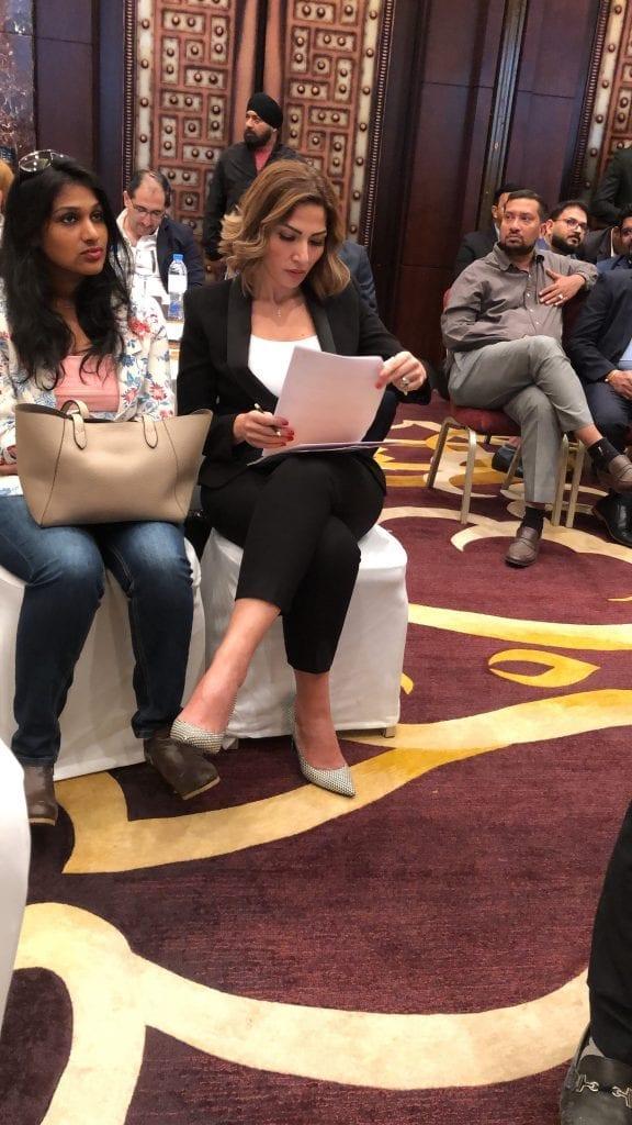 سلام أثناء حضور مؤتمر صحفي