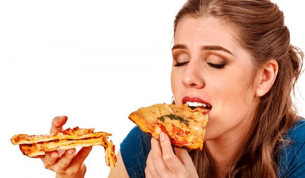 تناول الطعام بسرعة مضر بالصحة