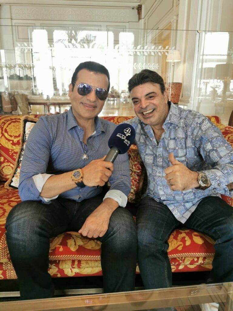 عمر مع النجم المصري ايهاب توفيق