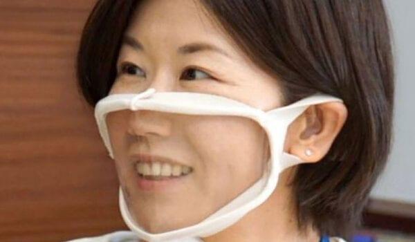 كمامات يابانية شفافة للتواصل مع الصم خلال الجائحة