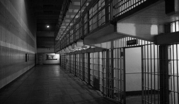 الهند.. نزلاء يرفضون مغادرة السجن خوفاً من كورونا