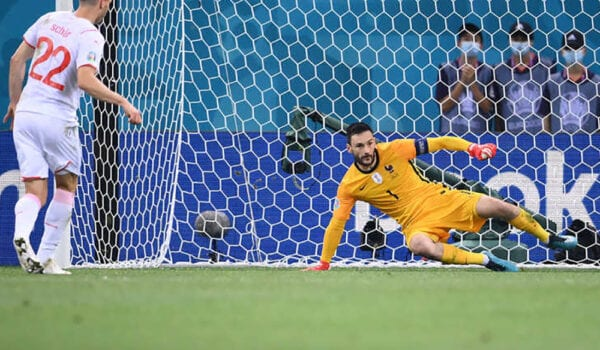 سويسرا تقصي فرنسا من كأس أوروبا وتتأهل إلى ربع النهائي