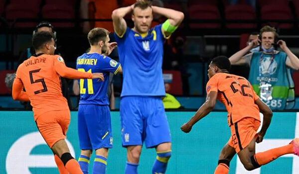 """أمم أوروبا- هولندا تحبط """"ريمونتادا"""" أوكرانيا وتفوز في الوقت القاتل"""