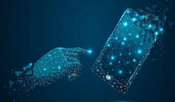 ابتكار مادة جديدة لشاشات الهواتف الذكية
