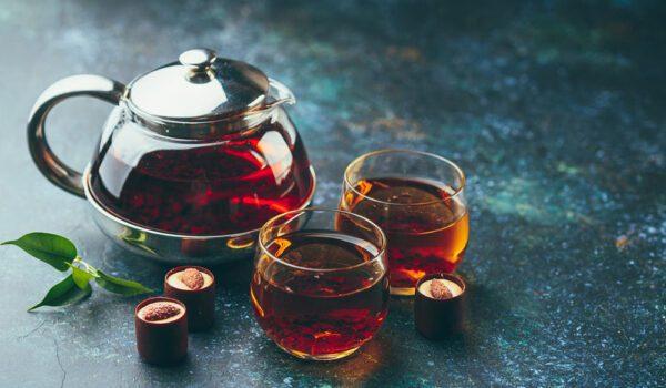 شرب الشاي الساخن في الصيف يبرد الجسم