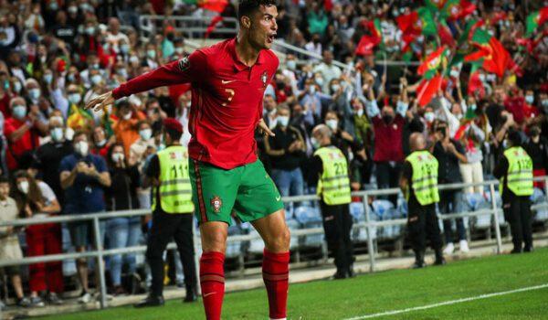 """كريستيانو رونالدو أكثر لاعب سجل """"هاتريك"""" في تاريخ كرة القدم على مستوى المنتخبات"""